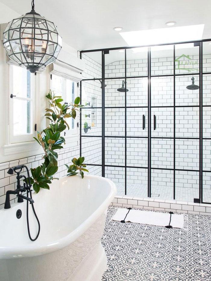 Cửa tắm và vòi hoa sen độc đáo